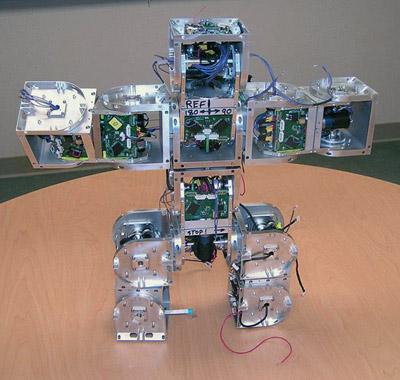 Muotoa muuttava modulaarinen SuperBot robotti