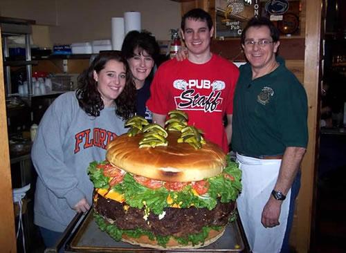 Maailman suurin hampurilainen löytyy Ameriikasta!