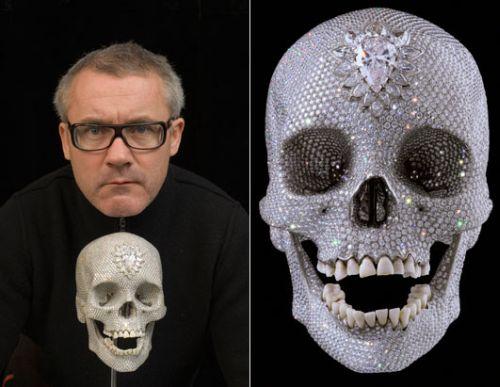 99 Miljoonan dollarin arvoinen timanteista ja platinasta valmistettu pääkallo