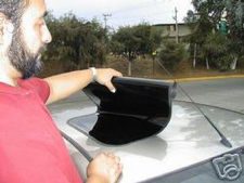 Auton kattoon liimattava kattoluukku