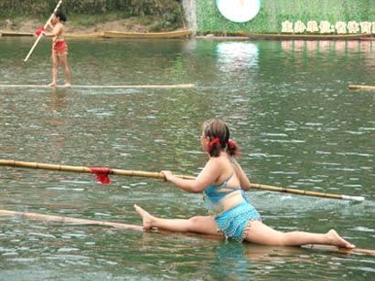 Kanootti yhdestä bambusta
