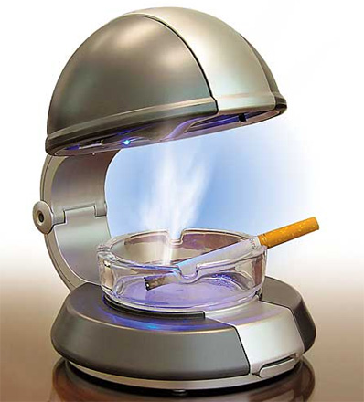 Passiiviselta tupakoinnilta helpottava tuhkakuppi