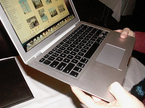 macbook-air-pressi.jpg