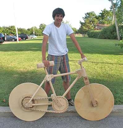 16-vuotias koululainen teki toimivan polkupyörän kokonaan puusta