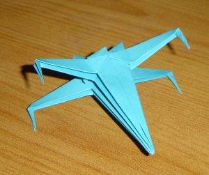 X-siipihävittäjä origami