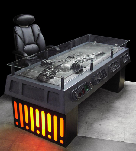 Han Solo karboniitissa -työpöytä