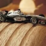 Puinen McLaren Mercedes F1-auto