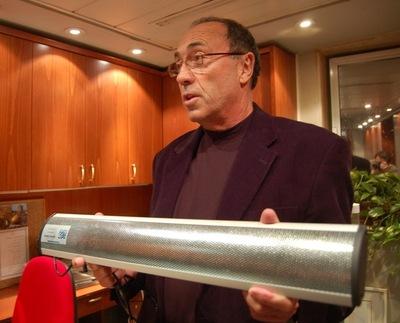 Sound Barrier ääniase aiheuttaa uhrille voimakasta pahoinvointia