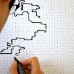 Labyrinttitapetti on suunniteltu seinäänpiirtelijöille