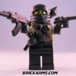BrickArms tuo kommandot, ninjat ja kunnon pyssyt Lego-sarjoihin