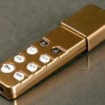 USB-muistitikku omalla numerokoodivarmennuksella