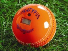 Krikettipallo, joka laskee oman nopeutensa