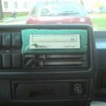 Autosterkat vanhasta cd-asemasta