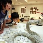 Näppäimistön näppäimistä tehty kyykäärme