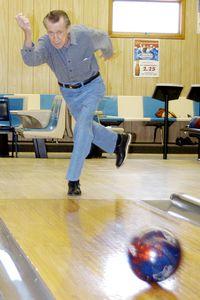 78-vuotias sokea keilaaja teki kaadon