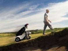 Shadow Caddy -golfkärryt seuraavat pyytämättä
