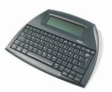 Alphasmart Neo ei ole tietokone eikä laskin, mutta sillä voi kirjoittaa