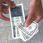 Paper Money Clip on dollarin setelistä tehty rahaklipsu