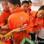 Marlboro sponsoroi lasten koulupukuja Kiinassa