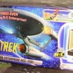 Radio-ohjattava lentävä tähtilaiva Enterprise on jokaisen Star Trek fanin pakko-ostos!