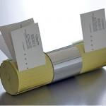 Kuinka askartelet vanhoista keltaisista sivuista käyntikorttitelineitä?