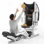 Absolo yhdistää koripallon ja vatsalihasliikkeet