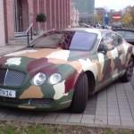 Bentley Continental GT maastokuvioituna