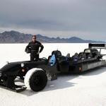Maailman nopein perhemitat täyttävä auto laittaa lasiin 483 km/h