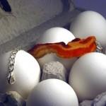 Bacon Bracelet on pekonirannekoru