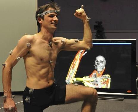 Magic Mirror mallintaa ihmisen lihakset reaaliajassa 1