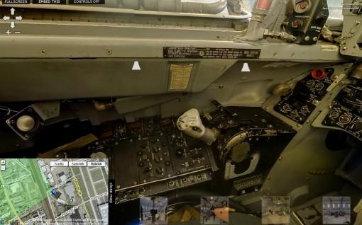 """Vieraile Lockheed F-104G """"Starfighter"""" -hävittäjän ohjaamossa 1"""