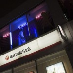 Stripparit houkuttelevat asiakkaista venäläispankkeihin