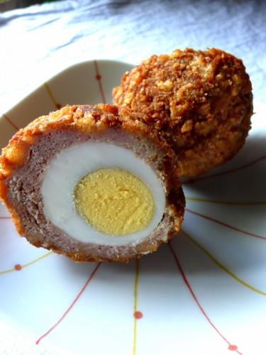 Scotch Eggs, kuorrutettua munaa