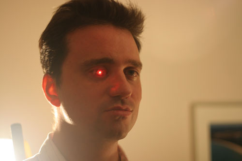 "Rob Spence ja Bionic Eye ovat ""Eyeborg"" 1"