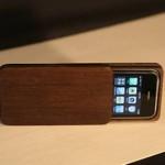 Puinen säilytysrasia iPhonelle on erittäin hieno