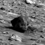 Ufobongarit löysivät Nasan Mars-kuvista alienin kallon