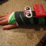 Pojan käsi murtui, tilalle laitettiin biomekaaninen Lego-komponentti