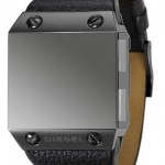 Diesel DZ9044 Black Label on neljän aikavyöhykkeen kello
