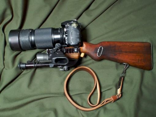 Tactical Camera Long Range Assault Stock eli TALCS on Nikon D200 kiväärin rungossa 1
