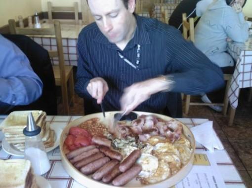 The £10 Breakfast tyydyttää tuhdimmankin krapulan, kenties. 1