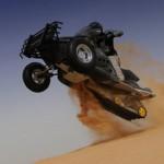 Platune Sand-X Bike -moottorikelkka-johdannainen jyrää hietikolla