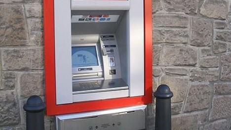 pippurisumute_pankkiautomaatti