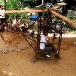 Kiinalaisfarmari rakensi itselleen toimivan helikopterin puusta