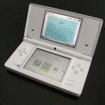 Testissä Nintendo DSi pelikonsoli