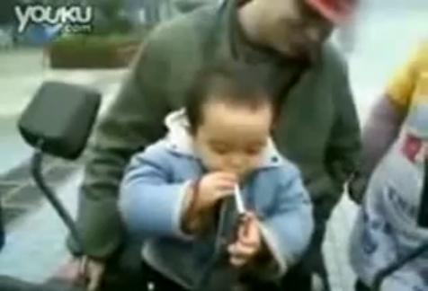 Nuorin tupakoija on 2-vuotias Kiinan Tianjiniläinen