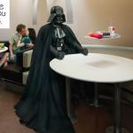 Darth Vader lienee vaikeasti palveltava McDonald's-asiakas