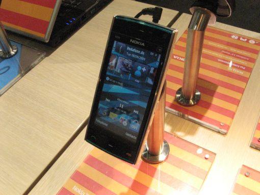 Nokia_x5_kosketusnäyttö
