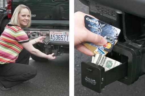 Locking Hitch Vault pitää auton avaimet turvassa - autossa 2