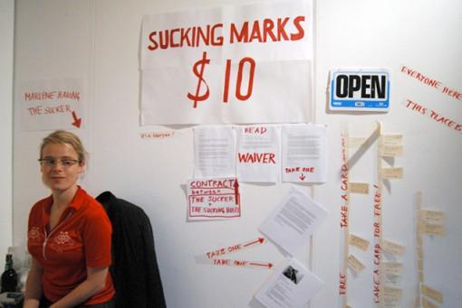 Sucking Marks $10, fritsuja kympillä 2