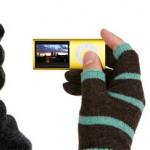 Etren kosketushanskat pitävät sormet lämpiminä mutteivat estä sähkölaitteiden käyttöä